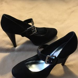 Black velvet Mary Jane pumps size 9 by Style & Co.